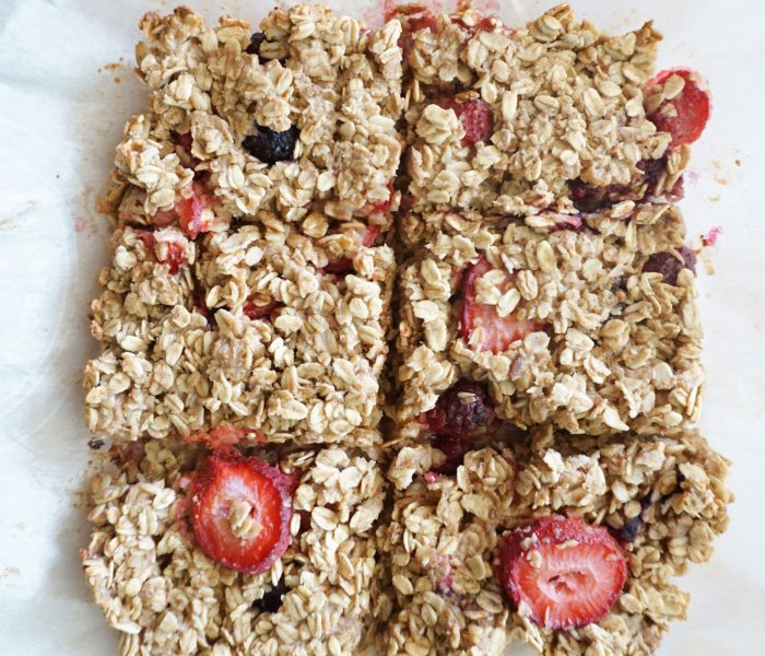 Berry Peanut Butter Baked Oatmeal Bars